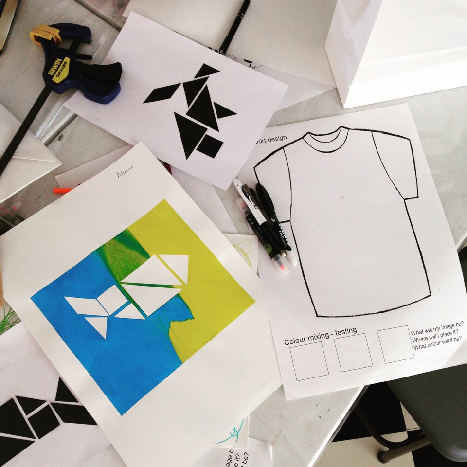 this autumn workshop aims to encourage kids to have fun with art on fabric by designing and screen printing a t shirt in a day that they can wear home - Designing T Shirts At Home